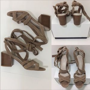❤️Kenneth Cole Suede tie up sandals in Taupe
